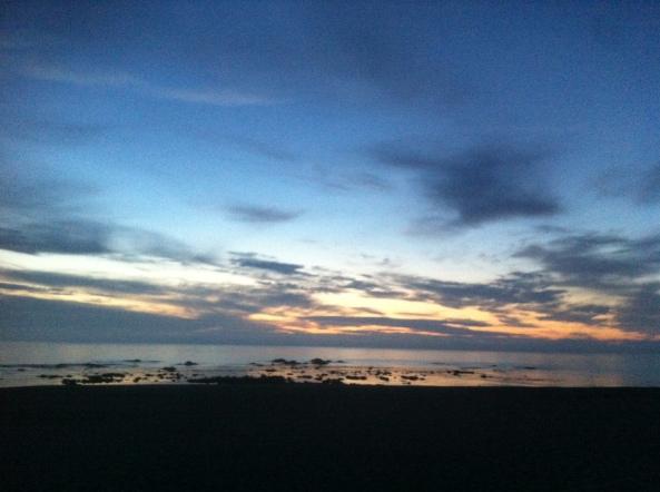 Praia onde eu a Manela costumamos passear as nossas cadelas (a Mia e a Ruça) ao final do dia.